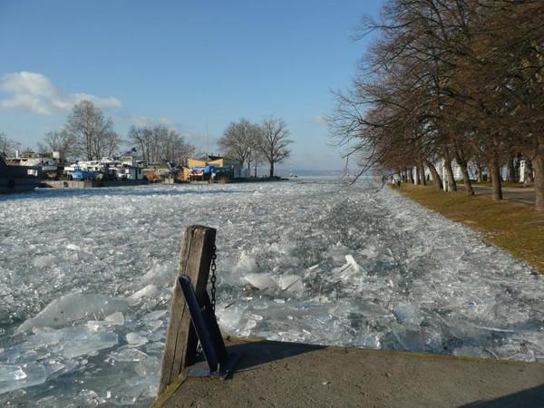 Balaton. Zimowe ferie na wielkim lodowisku