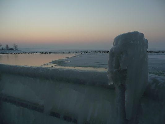 Balaton Wokół skutego lodem jeziora