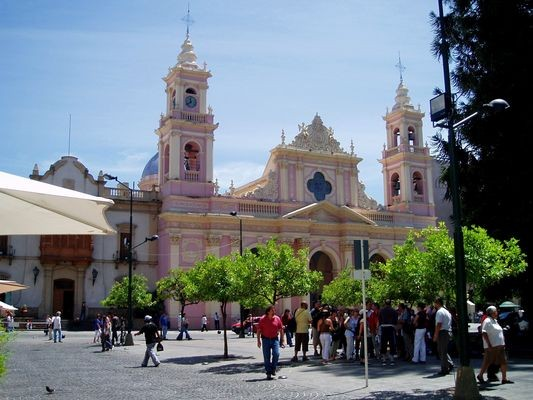 Salta Miasto tanga, pizzy i inkaskich mumii