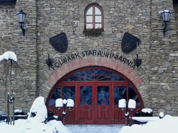 Mszana Dolna Wino w starym folwarku