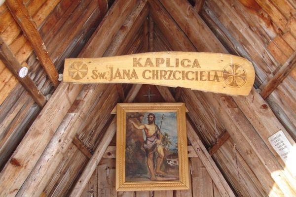 Polana Chochołowska. Schronisko ma imię Jana Pawła II