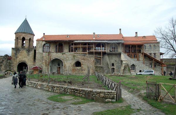 Aławerdy Klasztor za grubymi murami