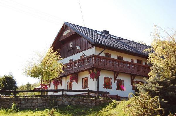 Mysłakowice. Drewniane domy prawie jak z Tyrolu