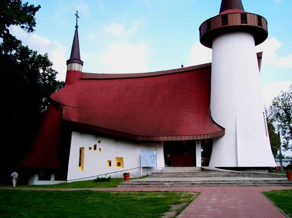 Lucień. Le Corbusier na Mazowszu