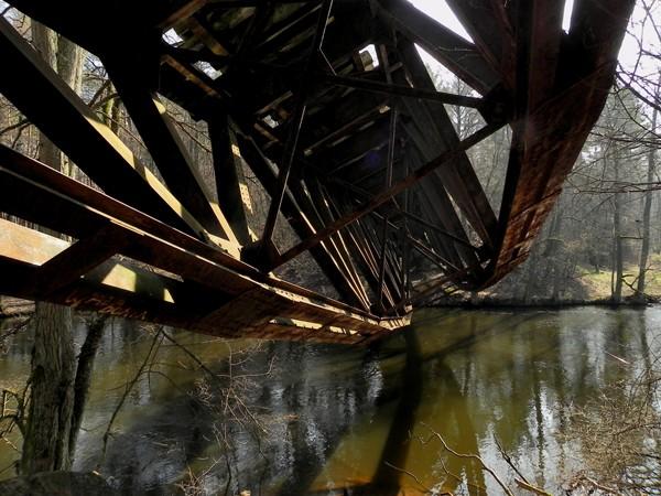 Jastrowie Zerwany most nad Gwdą