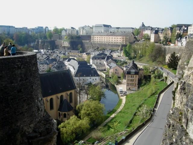 Luksemburg. Forty, mury, bastiony i kazamaty