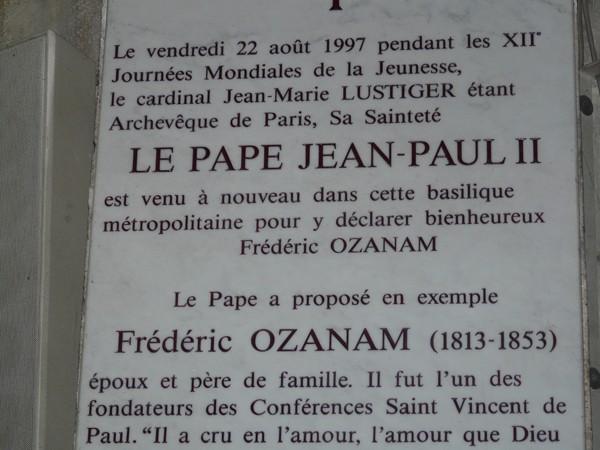 Paryż. Jan Paweł II we Francji