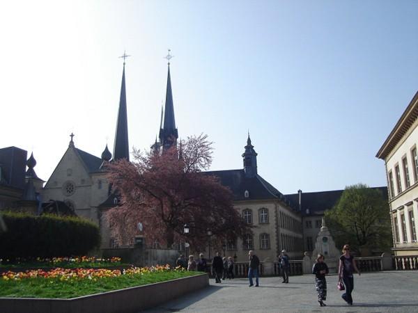 Luksemburg. Ratusz na placu Wilhelma