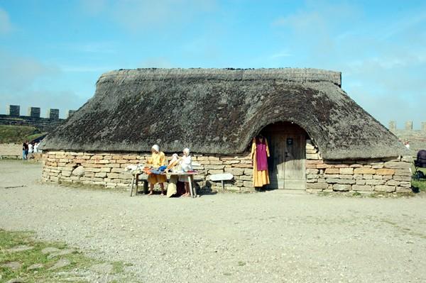 Olandia. Stare grodzisko i pismo runiczne