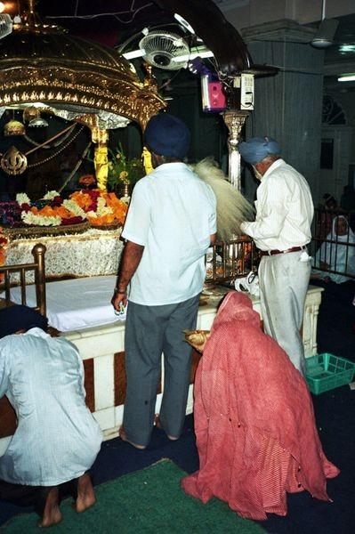 Delhi. W złotej świątyni Sikhów