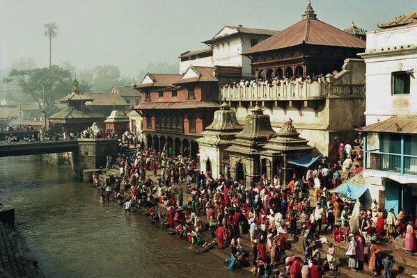 Deopatan Pashupatinath: nad świętą rzeką