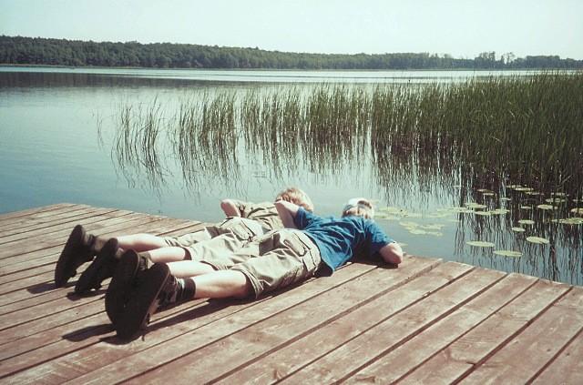 Jezioro Lucieńskie. Ścieżką wśród szuwarów i oczeretów