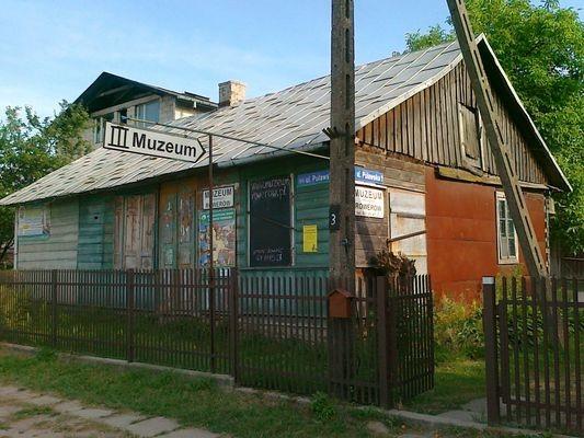 Gołąb. Muzeum rowerów i… alkoholizmu