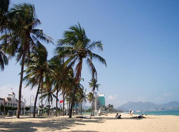 Nha Trang. Cichy relaks i krewetki na plaży