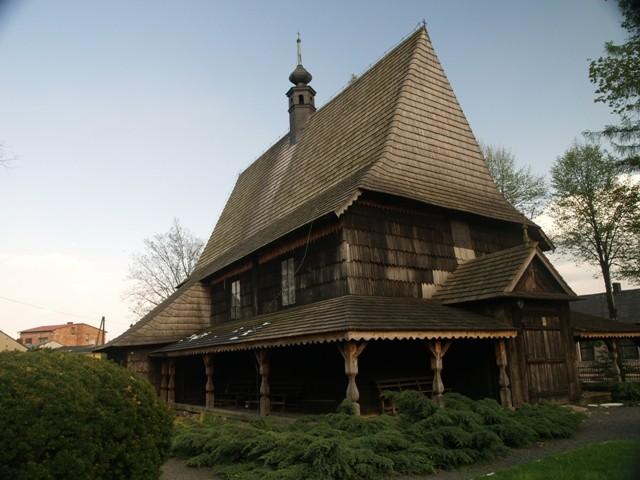 Gidle. Jedna wieś, trzy kościoły
