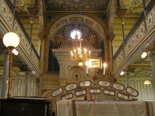 Preszów. W złoto-żółtej synagodze