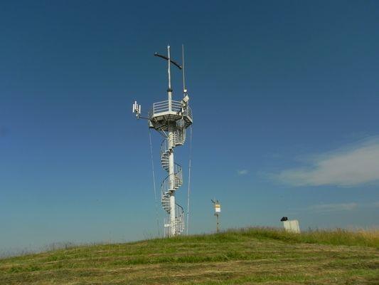 Grzywacka Góra Krzyż z widokiem na okolicę