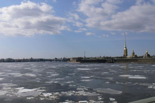 Sankt Petersburg. Już z Aurory wystrzał padł…