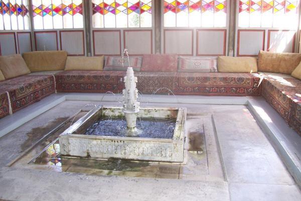 Bakczysaraj Sławne fontanny w pałacu chana