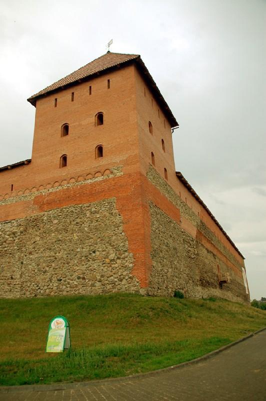 Lida. Zamek odbudowany i… rozbudowany