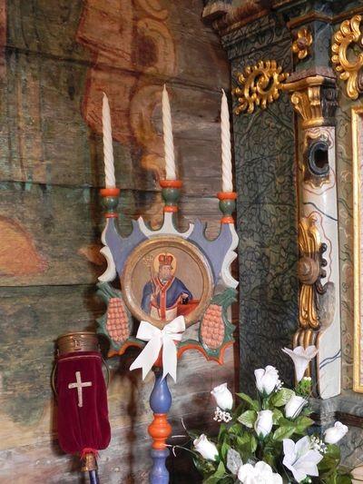 Bodružal. Chrystus ma w dłoni kwiatek