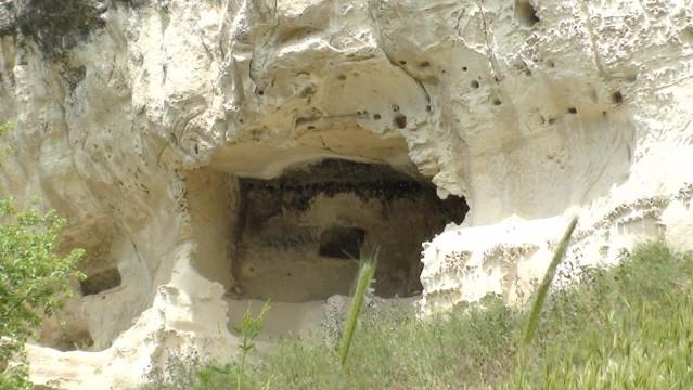 Bakczysaraj. W skalnej twierdzy Czufut-Kale
