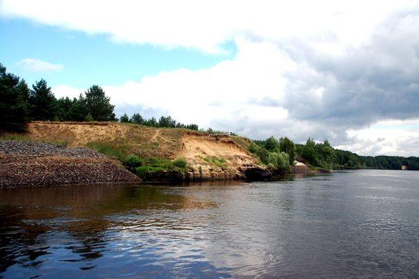 Prypecki Park Narodowy. Pływającym hotelem w dół Prypeci