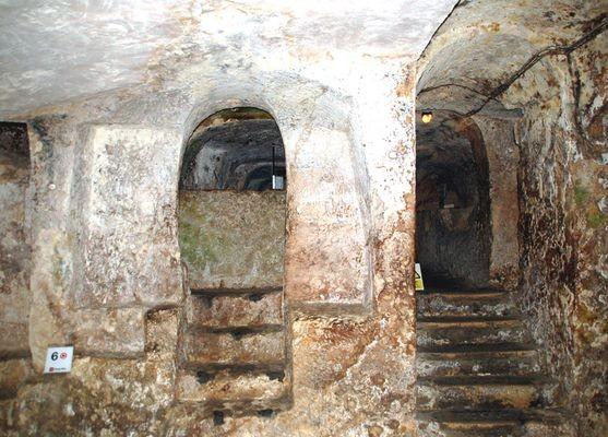 Rabat. W podziemnym świecie katakumb