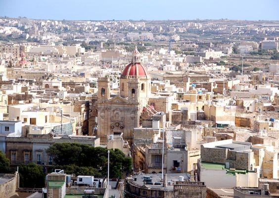 Gozo. Sanktuaria Ta'Pinu i Xewkija