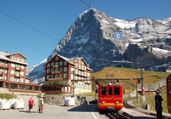 Jungfraujoch. W górę stuletnią koleją