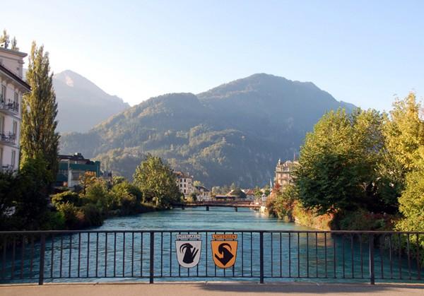 Interlaken. Od kasyna do końca świata