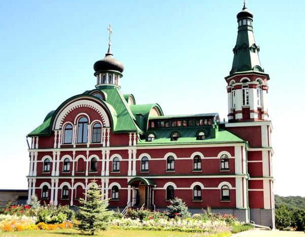 Kijów. Młode świątynie i nowe klasztory