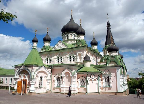 Kijów Młode świątynie i nowe klasztory