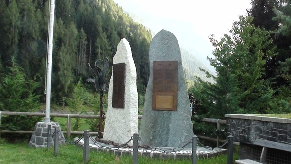 Alleghe. Baza do wędrówek w Dolomity