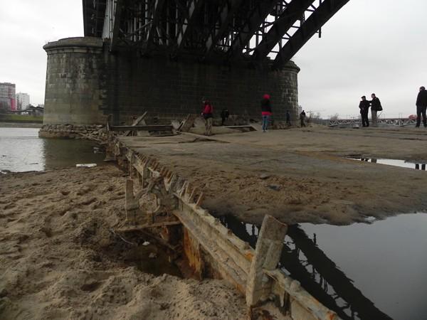 Warszawa. Wisła oddała stary Most Poniatowskiego