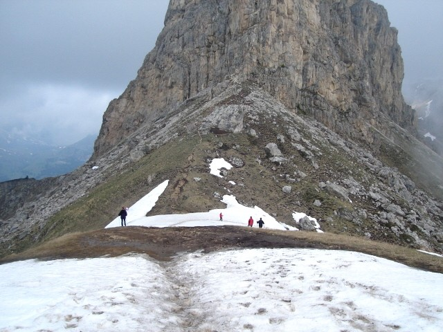 Padon Z Passo Pordoi pod szczyt Sass Becé