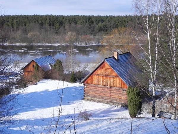 Nowogród. Śpi snem zimowym skansen nad Narwią