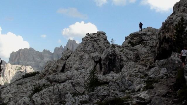 Averau-Nuvolau Przez skalne miasto Becco Muraglia