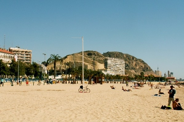 Alicante Miasto, na które patrzy św. Antoni