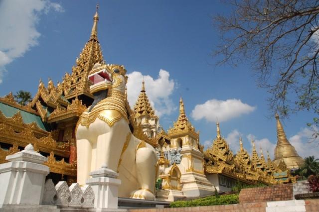 Rangun. Zbiory i obyczaje w Muzeum Narodowym