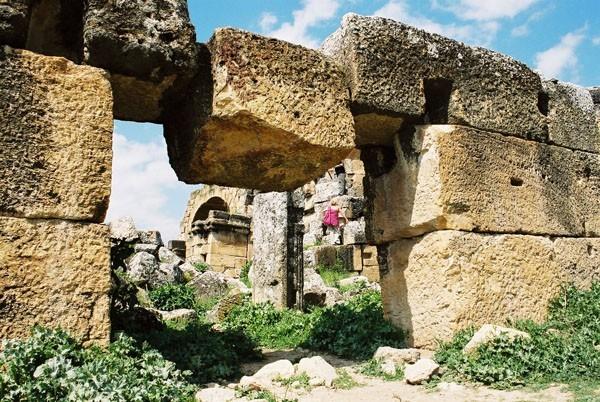 Hierapolis Antyczna nekropolia wokół uzdrowiska