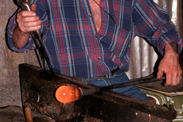 Smalandia Na kolację do… czynnej huty szkła