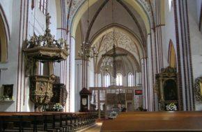 Kamień Pomorski Katedra za gomułkowską kurtyną