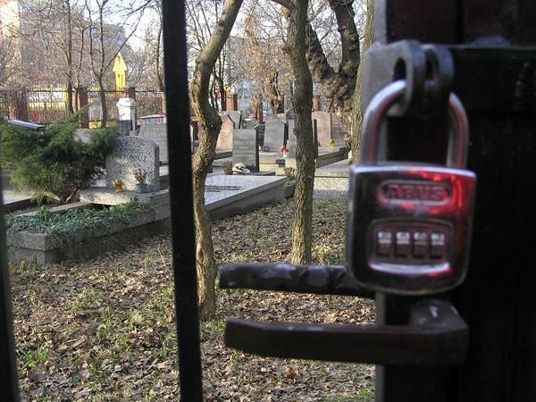Warszawa Cmentarz Karaimów na Woli