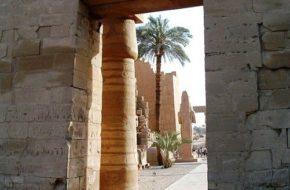 Luksor W ruinach Karnaku i w Dolinie Królów
