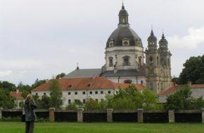 Kowno Klasztor w Pożajściu, największy na Litwie