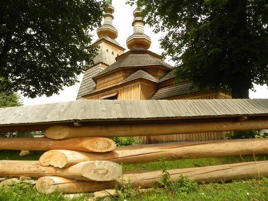 Ladomirová. Drewniana wieża sięga nieba