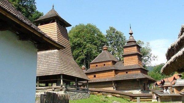 Bardejovské Kupele. Cerkiew ze Zboja w szaryskim skansenie