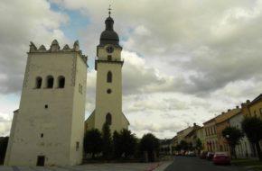 Spiska Biała Koronkowa dzwonnica w rynku