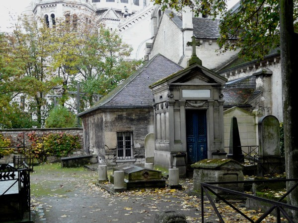Paryż Calvaire, najmniejszy cmentarz